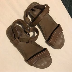 Teva brown leather sandals, like new